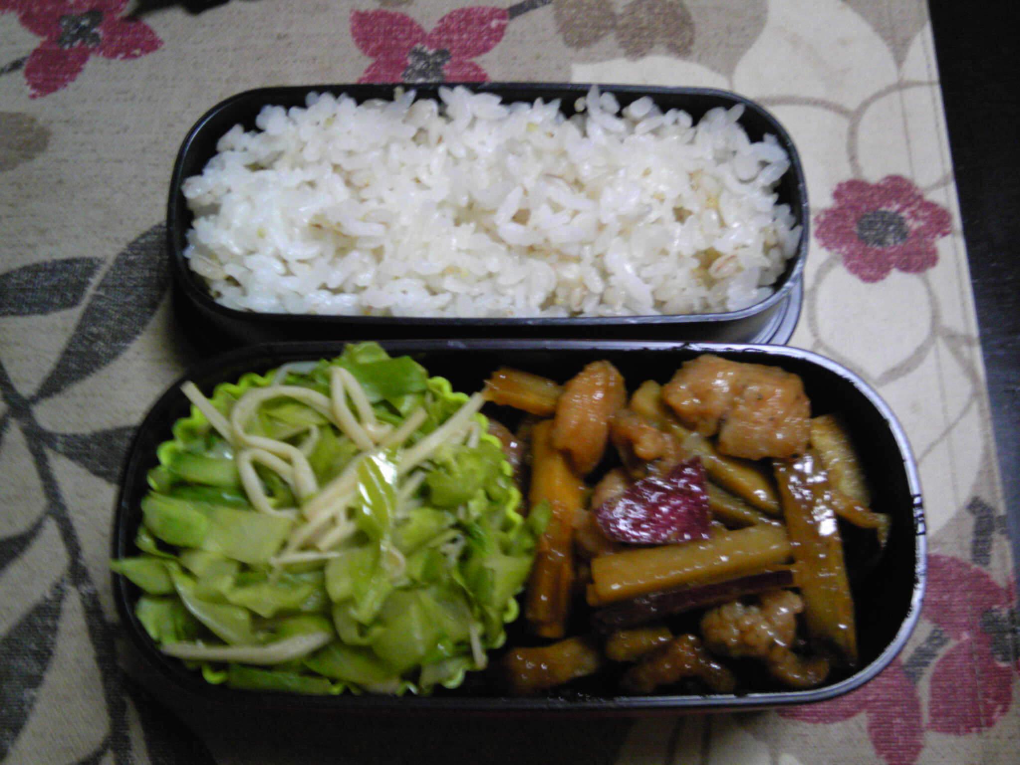 鶏とサツマイモの甘辛炒め弁当
